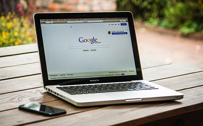 Google allows users to feel more secure on the login page.