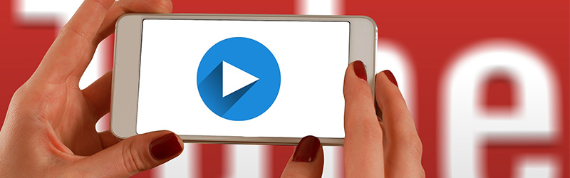 Play button on smartphone - Effective Low Budget Marketing Tips For a Shoestring Budget - Marketing strategies for small business