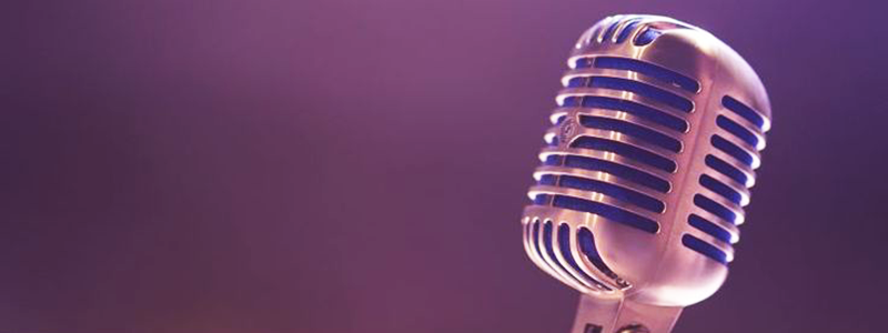 Microphone for podcasts in content marketing strategy